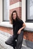 sfeerfoto basic sjaal zwart van Zusss