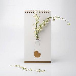 De flip vaas goud van Luf Design